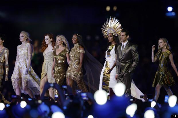 Les mannequins britanniques Naomi Campbell, Kate Moss, Jordan Dunn, Lily cole... lors de la cérémonie de clôture des JO 2012