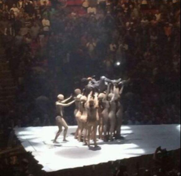 Kanye-West-Yeezus-Tour-2