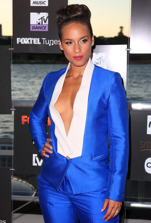 Alicia-Keys-Bianca-Spender-suit-1