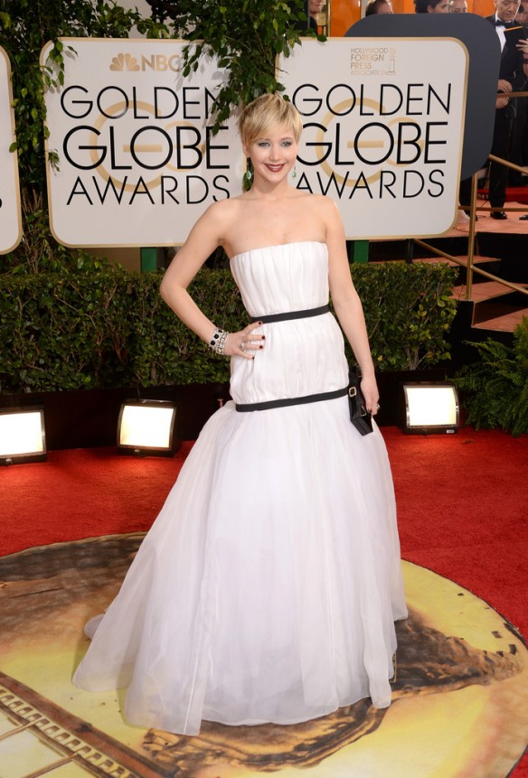 jennifer-lawrence-71st-annual-golden-globe-awards-dior-gown