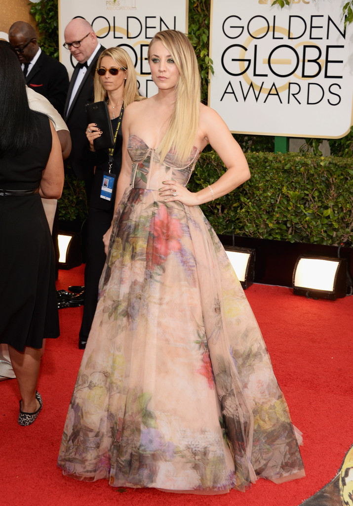 kaley-cuoco-71st-annual-golden-globe-awards-rani-zakhem-gown