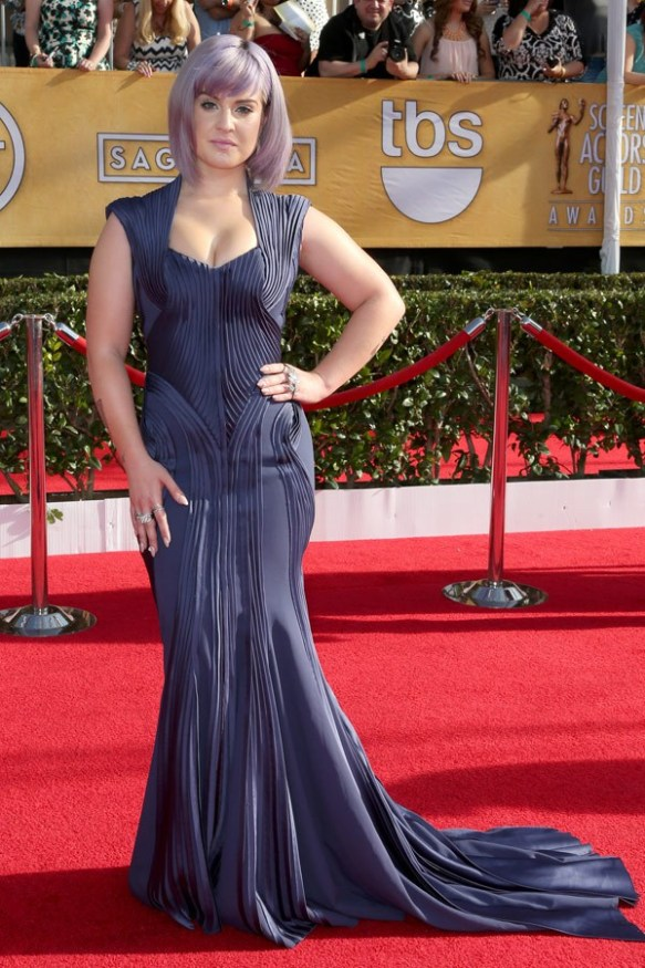 Kelly-Osbourne-in-Zac-Posen-SAG-Awards-20141