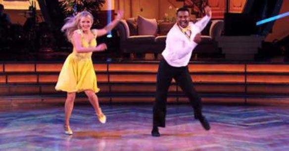 Alfonso Ribeiro aka Carlton refait sa danse mythique sur le parquet de Dancing with the Stars